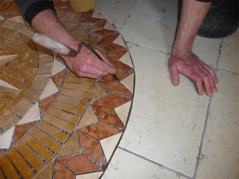 Sie sehen Bilder zu folgendem Artikel: Einbau einer Mosaikrosette