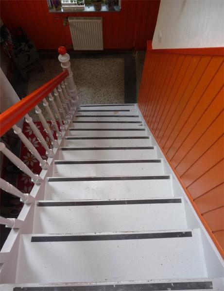Sie sehen Bilder zu folgendem Artikel: Verkleidung einer Holztreppe mit Fine grey und New Impala