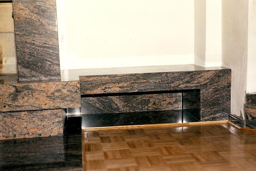 Sie sehen Bilder zu folgendem Artikel: Kaminverkleidung Paradiso Scuro